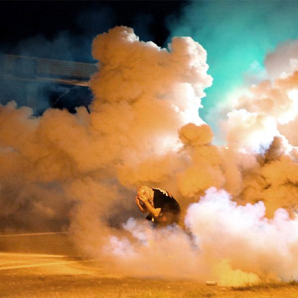 США, беспорядки, преступление, Восстание по-американски: фотографии из бунтующего Фергюсона