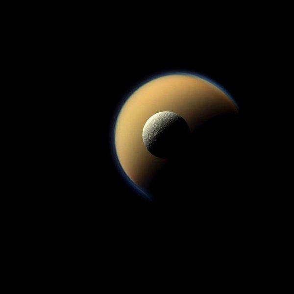 NASA,ESA,астрономия,космос,планета, Сатурн в объективе зонда «Кассини»