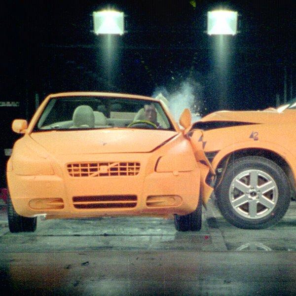 Facebook, соцсети, искусственный интеллект, «Краш-тест для Volvo»: 90 лет истории автомобильной безопасности