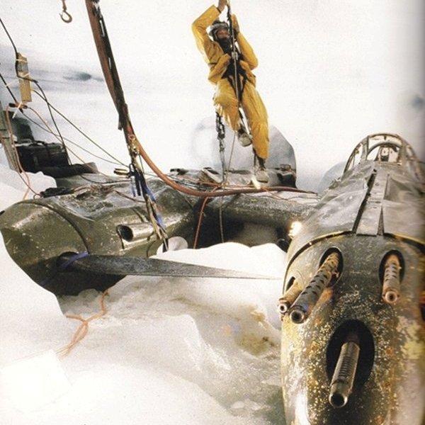 История,авиация, P-38 времен Второй мировой нашли в Гренландии. Достали из ледника и завели!